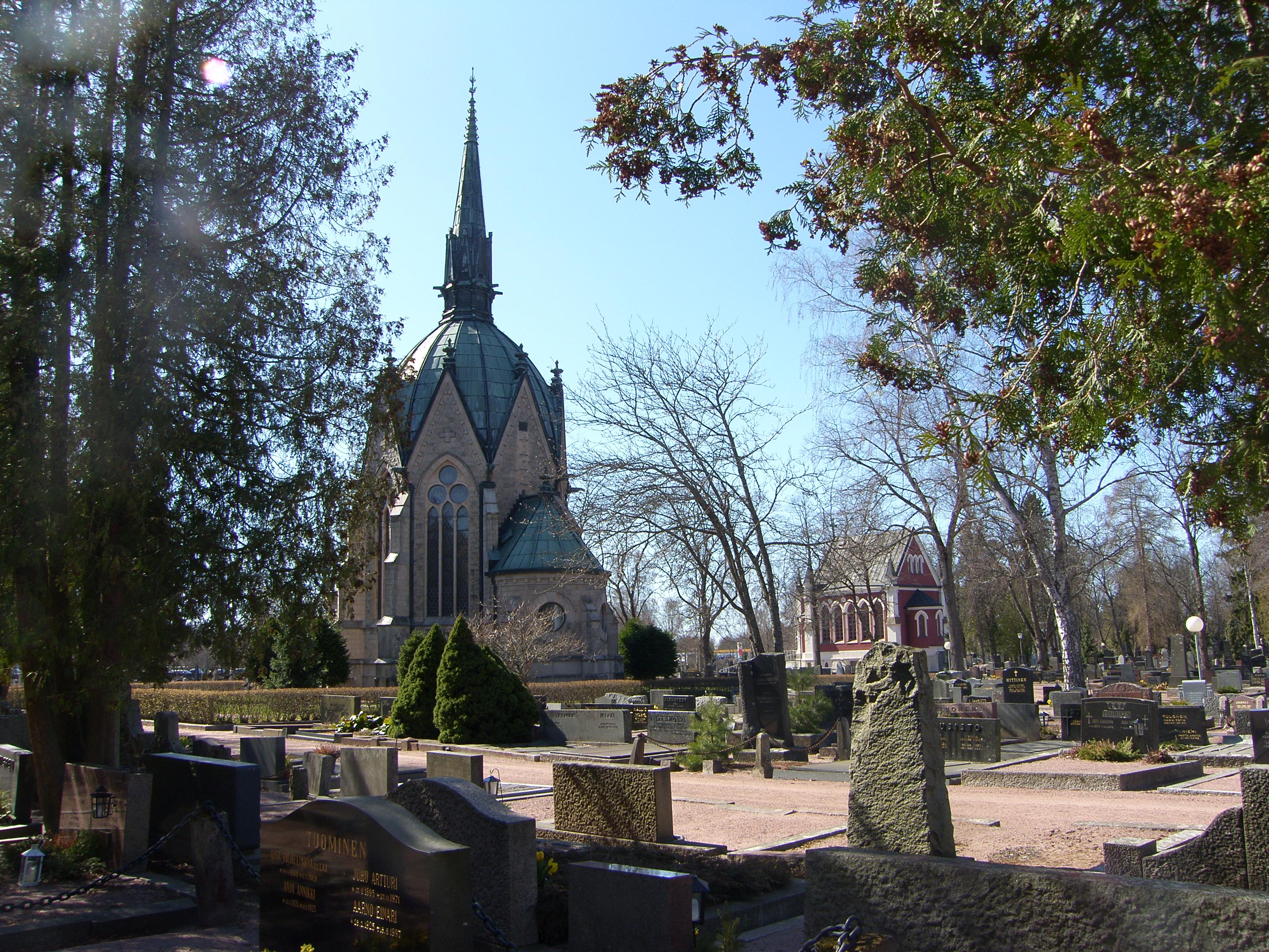 UUTUUS! Opastettu puistokävely Käppärän hautausmaalla