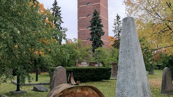 Päiväkävely Porin Vanhalla hautausmaalla